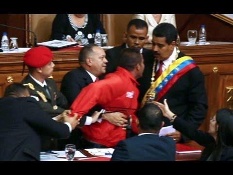Los reflejos de Diosdado Cabello y su intento de