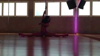 Aryanna stripper style pole dance floorwork to Sure Thing by Miguel