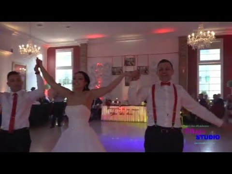 Niesamowity Pierwszy Taniec - Ciekawa Choreografia!