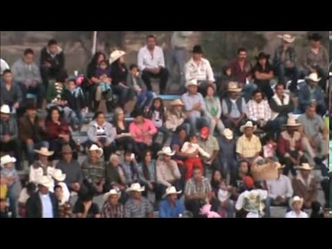 Los Destructores De Memo Ocampo En Pantaleon Gto 2012 (El Dienton VS Corsario Jr)