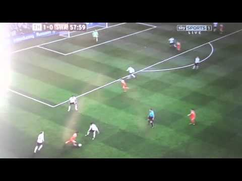Gylfi Sigurdsson Goal vs Tottenham