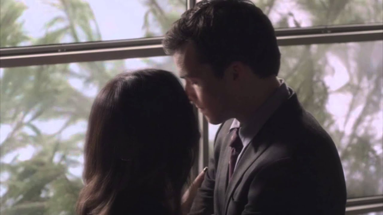 Pretty Little Liars Aria And Ezra Kiss