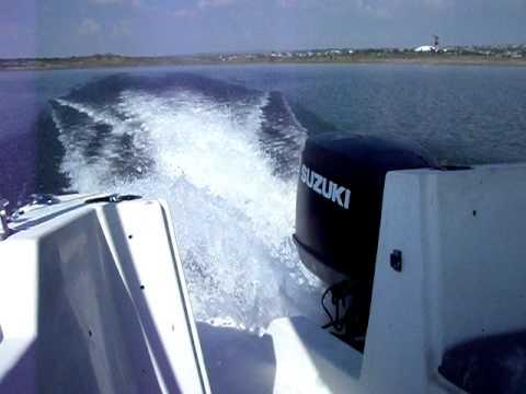 Suzuki  DT 225 EFI 2-stroke outboard running  225hp DT225