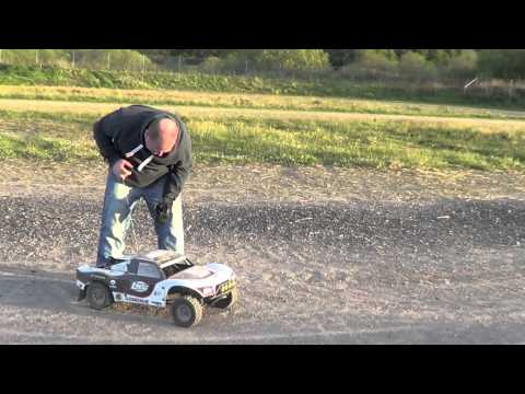 LOSI 5IVE T FIRST RUN. 1-5TH SCALE 2 STROKE 26CC 1080P