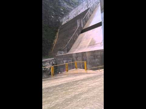 Huracán Ingrid Presa Rompe Picos, Monterrey Nuevo Leon 熱帯低気圧 墨西哥 Трапічны цыклон 熱帶氣旋 墨西哥