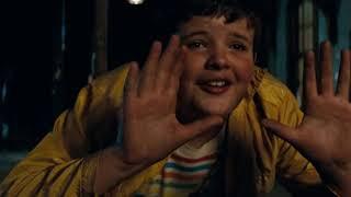 Super 8 - Train Scene (J J  Abrams + Steven Spielberg)