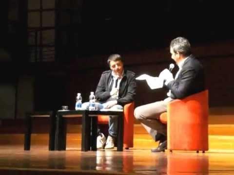"""Matteo Renzi : """"Ero Drogato di Twitter e Facebook!"""" – Intervista Salone Libro Torino 2013"""