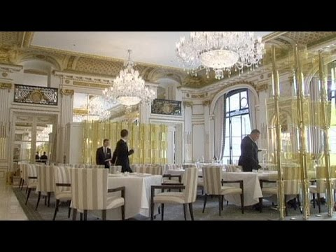 Got 1,000 euros? You can afford one night in this Paris hotel - economy