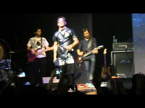 EMIS KILLA - SCORDARMI CHI ERO LIVE @ALCATRAZ