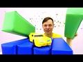 Видео для детей: трансформеры, игры в машинки! Бамблби ищет гараж.
