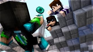 CLUTCH ENDER PEARL FAIL! in Minecraft Hypixel SKYWARS w/ Grapeapplesauce & Huahwi