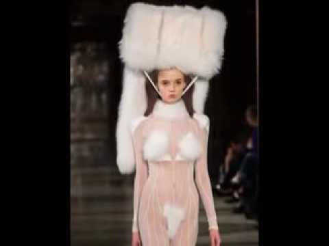 Naked Model Walks Runway For Pam Hogg At London Fashion Week НЕДЕЛЯ МОДЫ