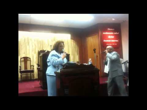 "Rev Domingo Rodriguez y Betty Padilla ""Mi Padre Cuidara de Ti"""