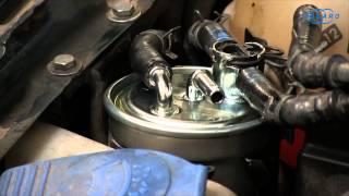Volkswagen Golf IV -- Changement du filtre à carburant