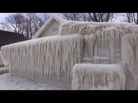 Real: Wind off Lake Ontario encases local house in ice