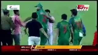 How Amazingly Bangladeshi Cricket Captain Mashrafe responded to his supporter