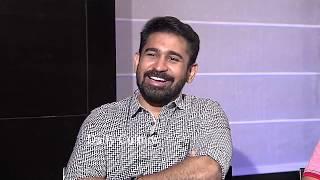 విజయ్ తెలుగుకి పొట్టచెక్కలే : Roshagadu Movie FUNNY Interview | Vijay Antony | Daily Culture
