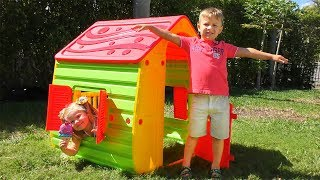 Roma and Diana Pretend Play with PlayHouse!