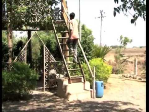 Organic farmer builds eco-friendly mud houses in western India