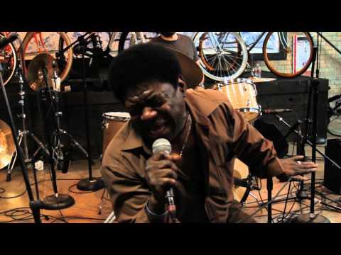 Charles Bradley - Lovin You Baby