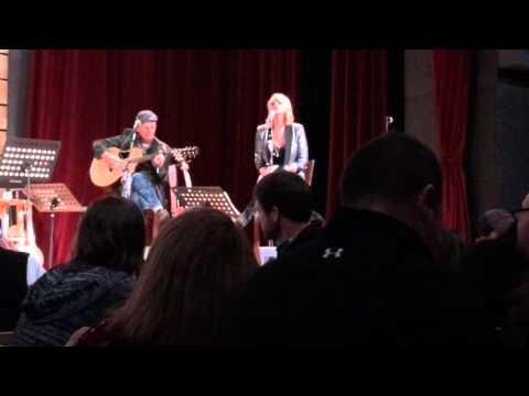 """Miranda Lambert performs """"Scars"""""""