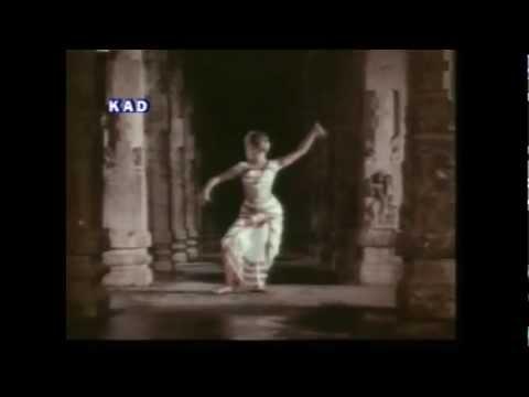 AMERICA AMMAYI- ANANDA TANDAVAMADE -- DEVAYANI  DANCE.mp4