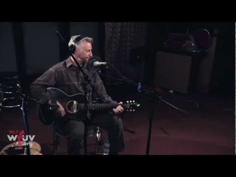 Billy Bragg - &quot;No One Knows Nothing Anymore&quot; (Live at WFUV)