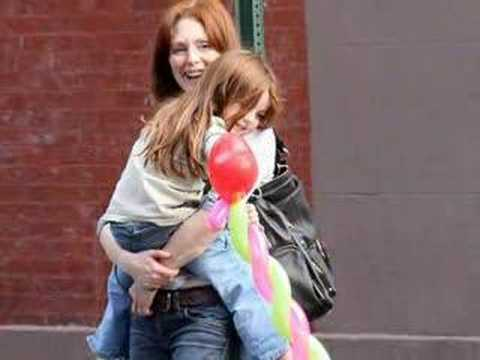 Julianne Moore & Liv