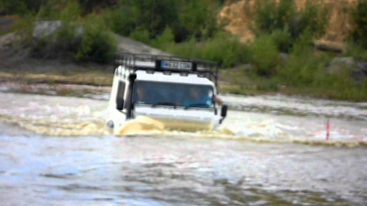 Land Rover Defender Under Water Youtube