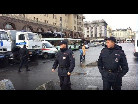 Акции сторонников Навального в юбилей Путина. Спецэфир Дождя