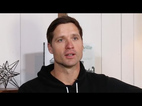 "Walker Hayes Battles Addiction: ""It's An Everyday Struggle"""