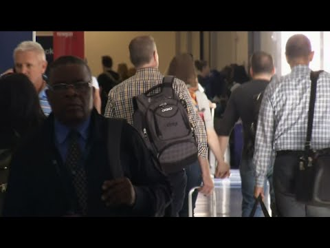 Fla. Travelers Brace for Long Lines at Airport
