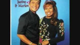 Waarom huil je toch, Nona Manis - Justine & Marlon