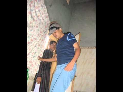 Dekh Kar Tujhko Main Gham Dil Ke Bhula Deta Hoon - video