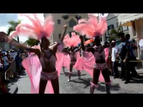 ST MAARTEN CARNIVAL 2014 BEST MAPOUKA GIRLS TWERK IT OUT videos judith roumou