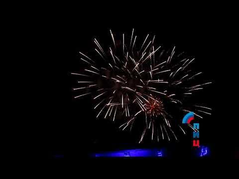 Более 50 тыс. зрителей собрал в Луганске концерт российских исполнителей ко Дню ЛНР (ФОТО)