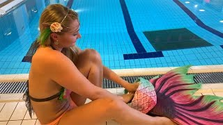 Woman Quits Job to Teach People How to Become Mermaids