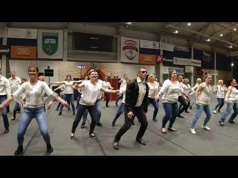 Szülők pedagógusok tánca Dabasi Kossuth Lajos Általános Iskola