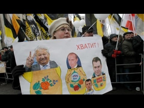 Demonstrators denounce Russia's political 'tandem'