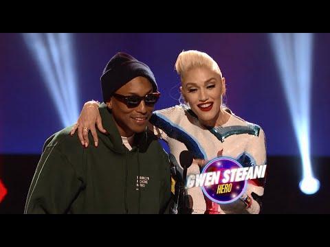 Gwen Stefani Hero Award at the 2016 RDMA   Radio Disney Music Awards   Radio Disney