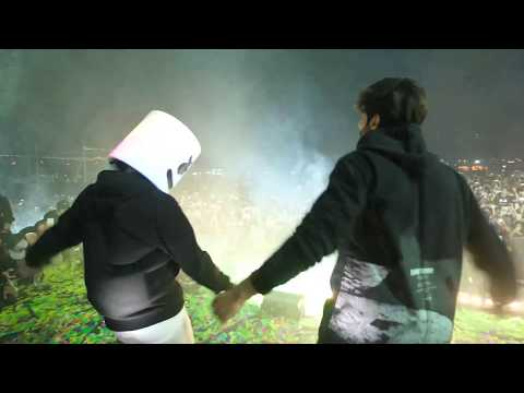 Marshmello and Kartik Aaryan dance battle to Luka Chuppis Coca Cola song in Pune India