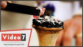 بالفيديو.. صاحب مقهى «زقاق المدق» يمنع زبائنه من شرب الشيشة لأضرارها على الصحة