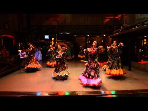 Цыганский танец с бубнами