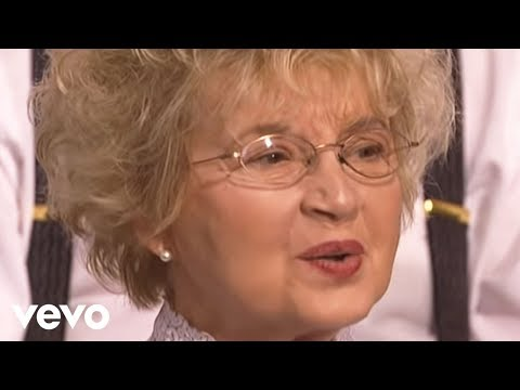 Bill & Gloria Gaither - At Calvary (Live)