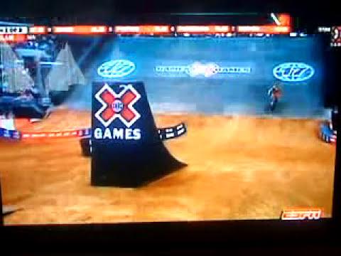 Accidente Y Lesión De Travis Pastrana En Los X-Games 17 Moto-X Best Trick Rodeo 720