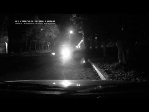 21.09.2013 23:16 ДТП Смоленск - Пяьный водитель сбил пешехода и врезался в припаркованный авто.