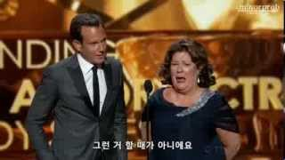 Will Arnett & Margo Martindale presenting at Emmys 2013 (Korean sub)