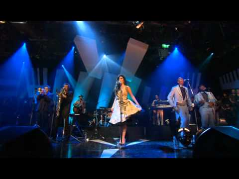 Amy Winehouse   Rehab, Tears Dry On Their Own, Interview   Jools   11 03 2006