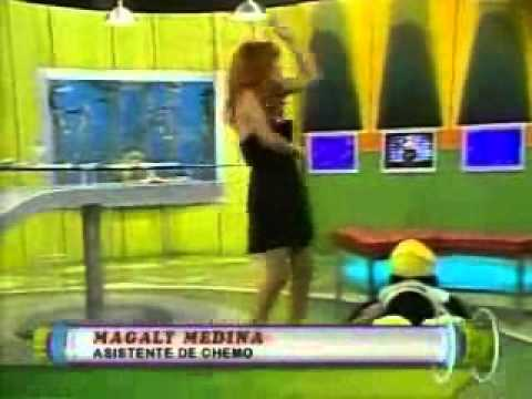 magaly tv bailando borracha el chocholoco y la escobita.