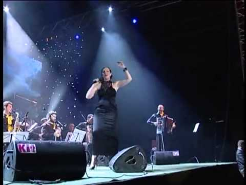 Chords for Ana Bekuta - Veseljak - (LIVE) - (Novi Sad 2012)